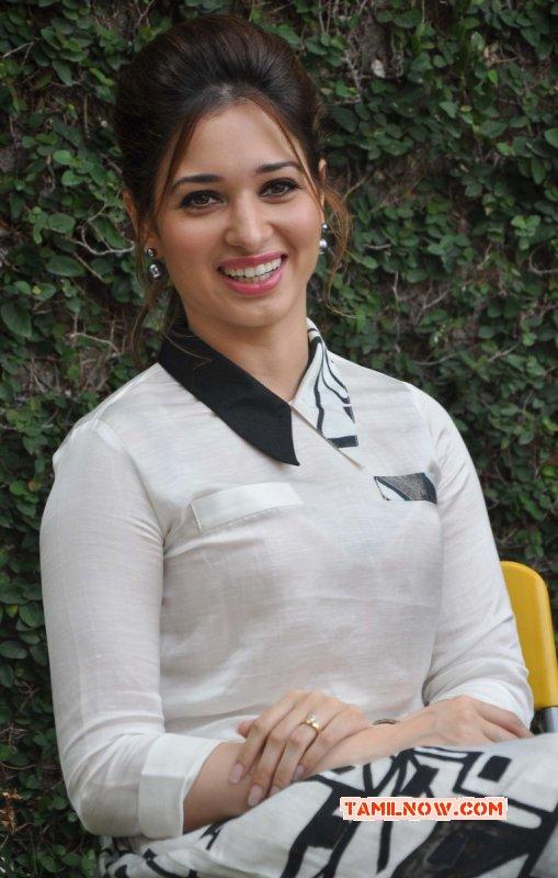 Movie Actress Tamanna New Wallpaper 2022
