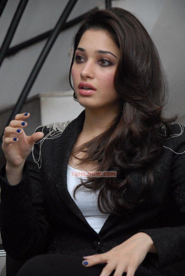 Tamil Actress Tamanna Photos 8880