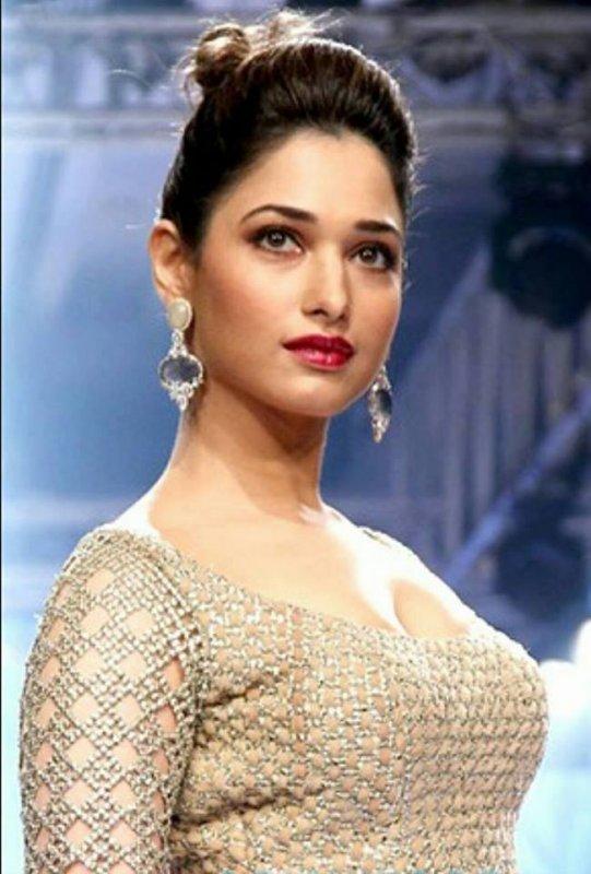 Film Actress Tamannah New Albums 1497