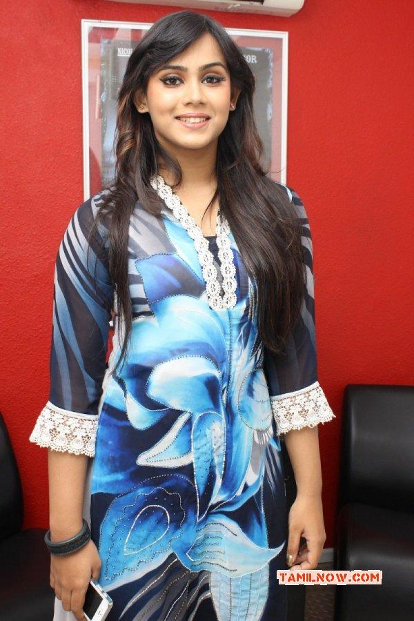 Actress Thulasi Nair 2014 Wallpapers 1061