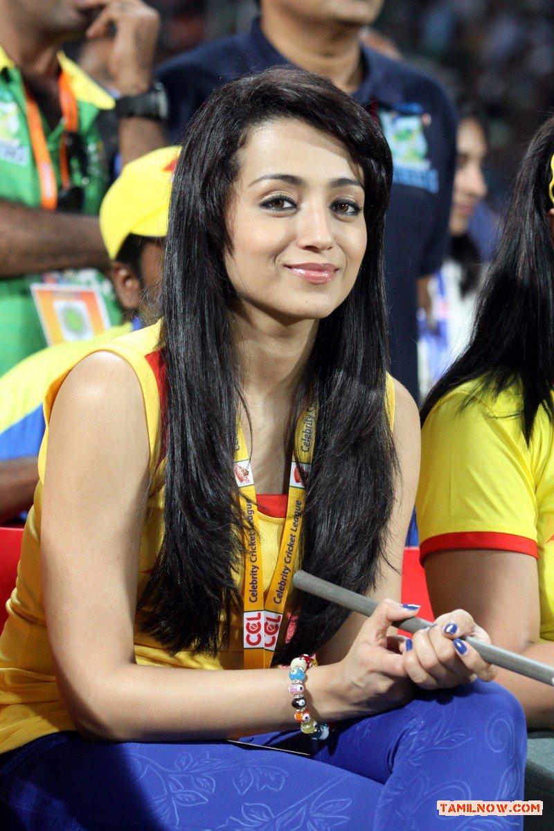 Actress Trisha Krishnan Stills 7997