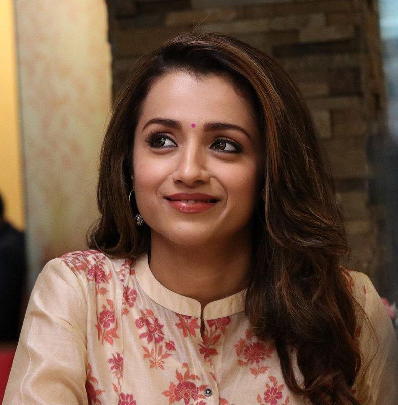 New Wallpaper Trisha Krishnan Tamil Actress 8993