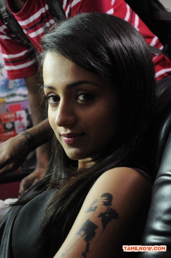 Trisha Krishnan 9009