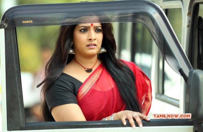 Tamil Movie Actress Varalaxmi Sarathkumar Apr 2016 Photos 4272