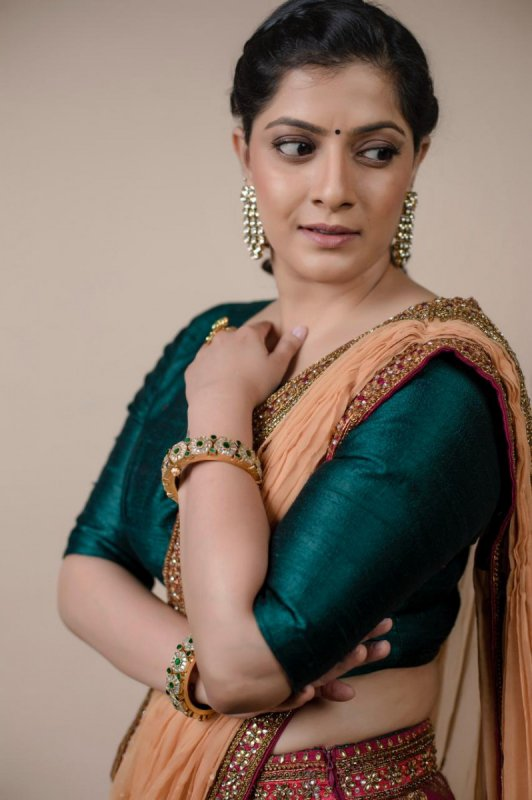 Varalaxmi Sarathkumar Film Actress Photo 7897