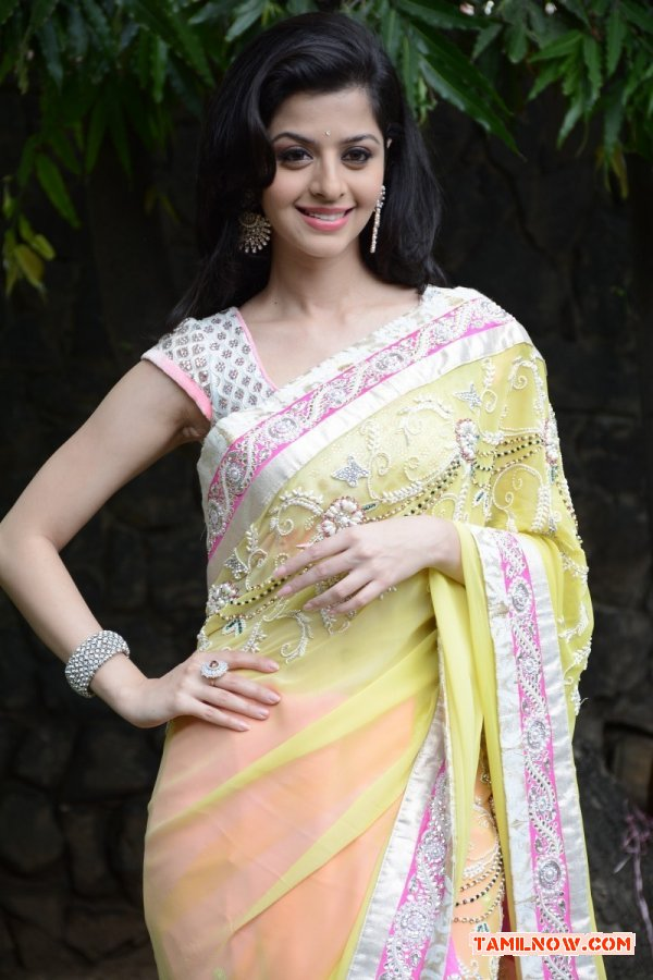 Actress Vedhika 9760