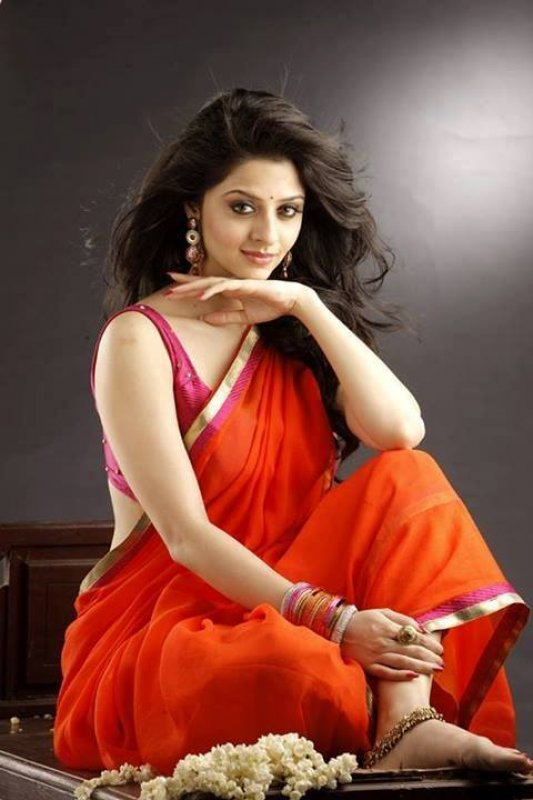 Latest Images Movie Actress Vedhika 1425