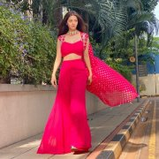 New Gallery Vedhika Actress 2563