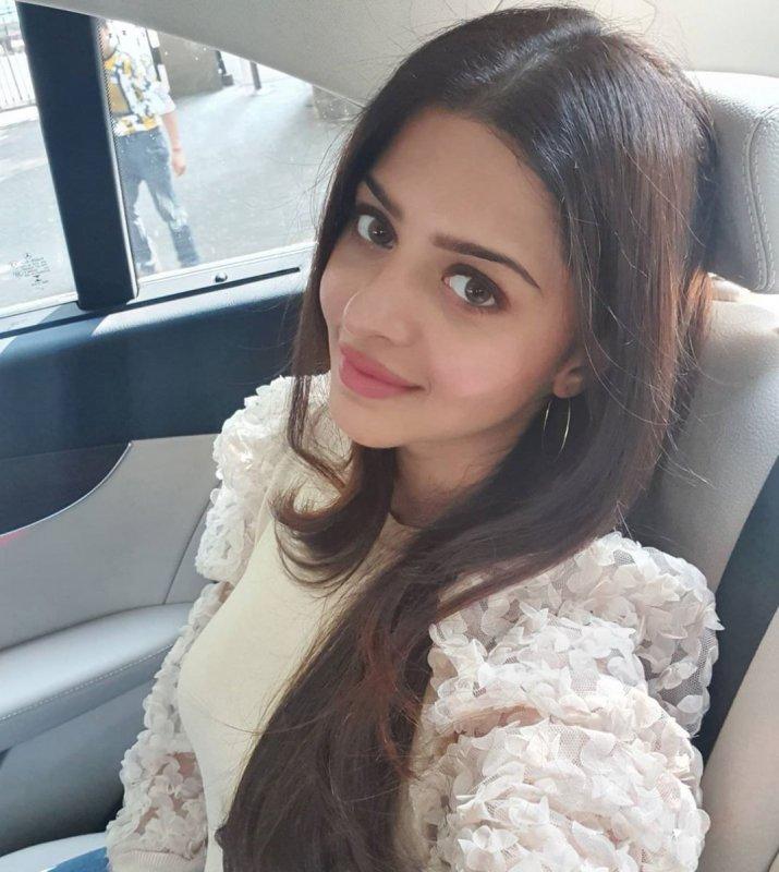 Wallpapers Vedhika Tamil Actress 7484