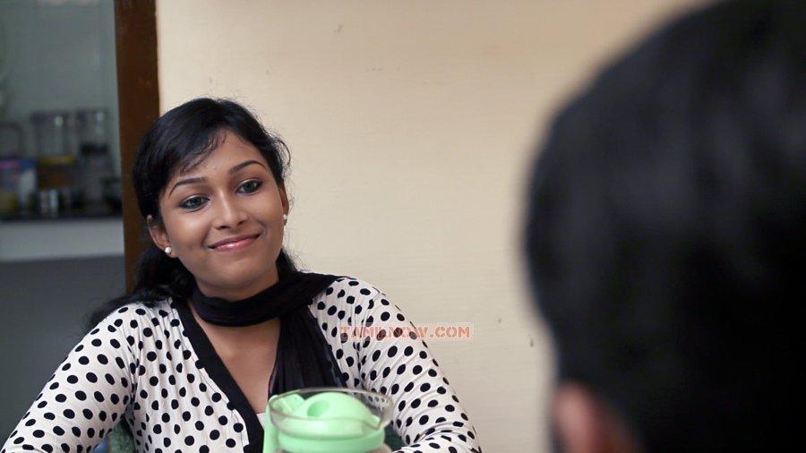 http://www.tamilnow.com/movies/gallery/aachariyangal/tamil-movie-aachariyangal-stills-7428.jpg