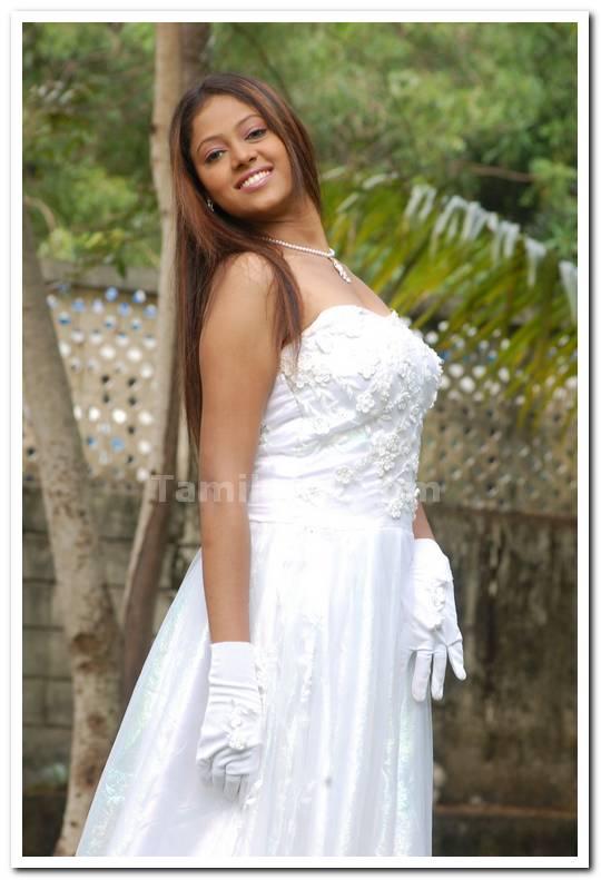 Aadi Narayana Movie Photos 8