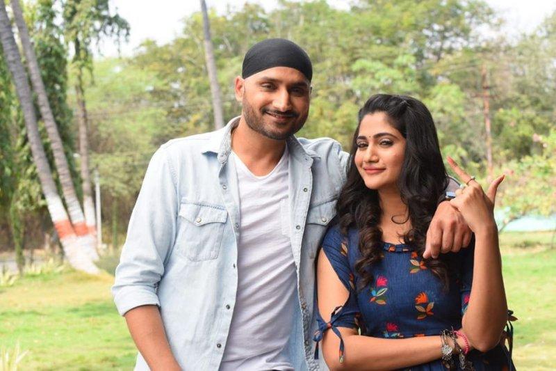 Harbhajan Singh Losliya In Movie Friendship 422