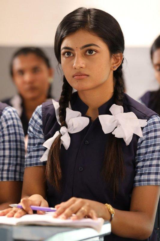 Aanandhi In Kamali From Nadukkaveri Movie New Pic 851