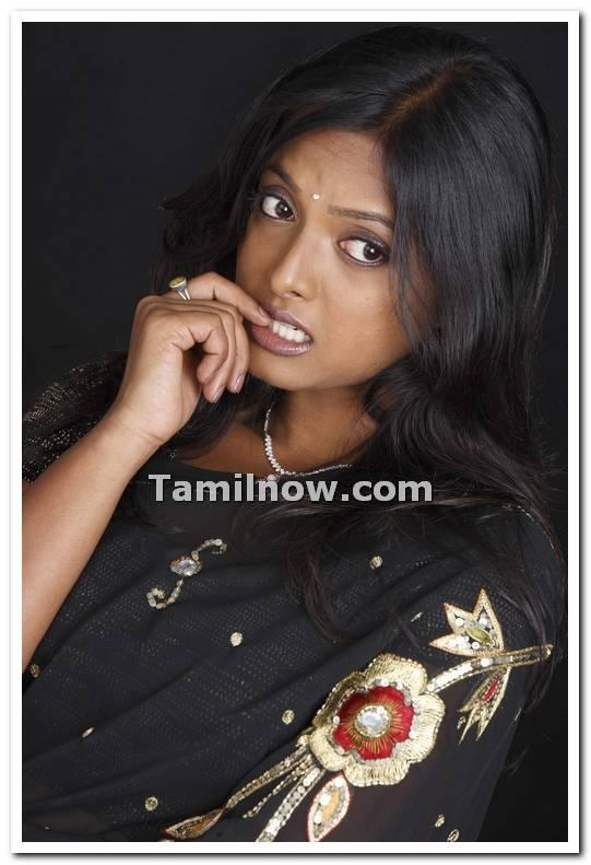 ... <b>Tamil Koothi Kathai</b> ... - niveditha-still-01