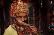 Santhanam In Madha Gaja Raja 100