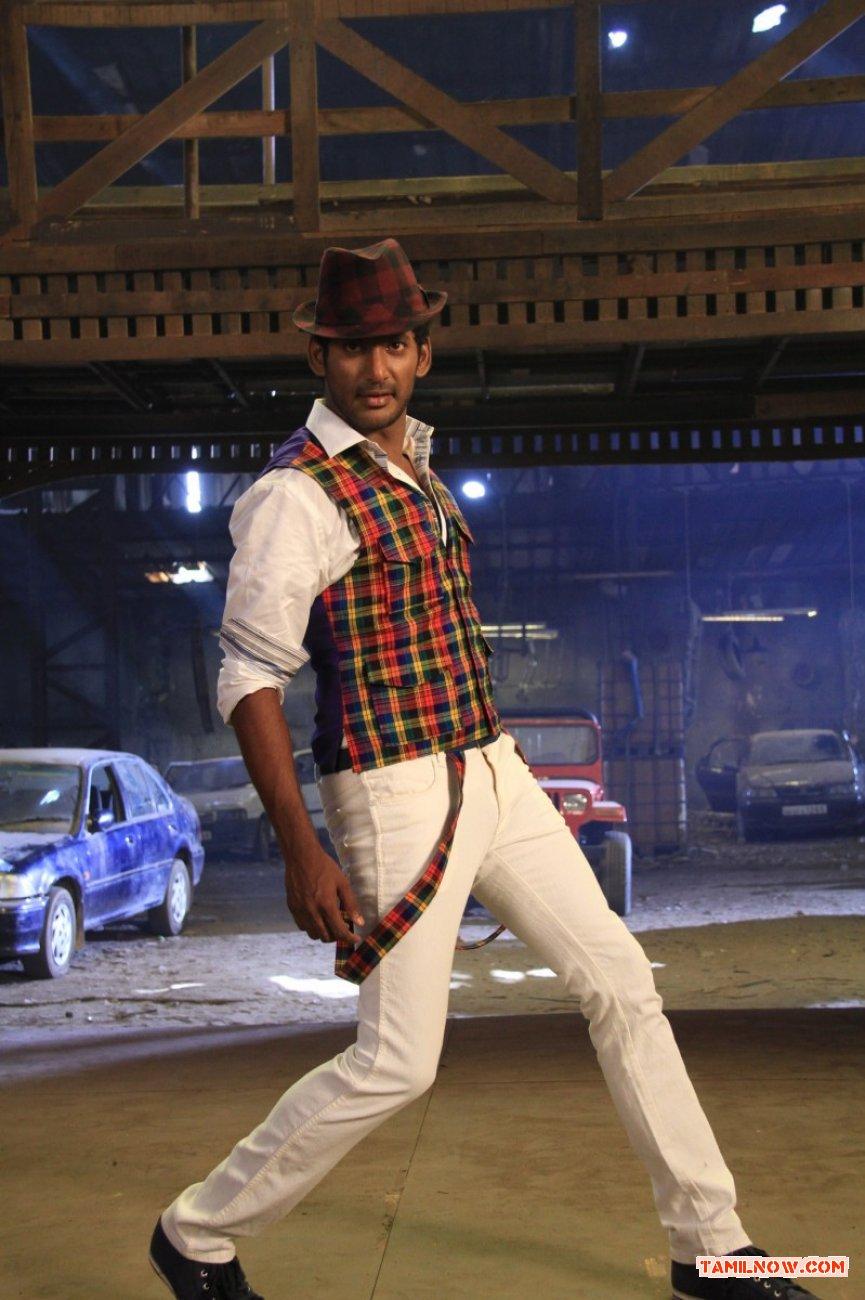 Vishal In Madha Gaja Raja Movie 749