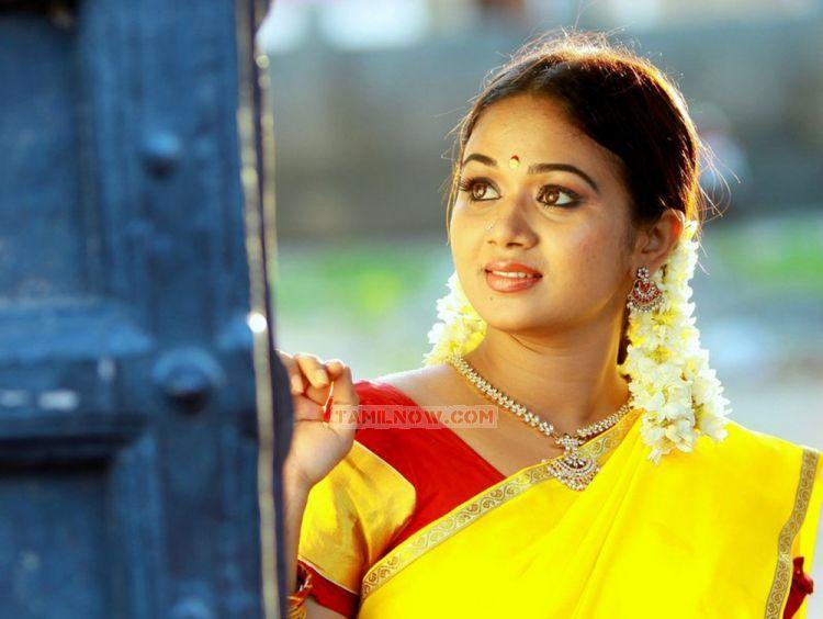 Arasi serial actress saranya