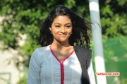 Puriyatha Puthir New Stills 5236