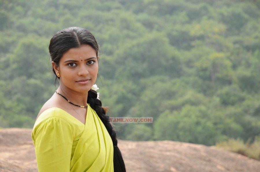 Tamil Movie Rummy 3211...