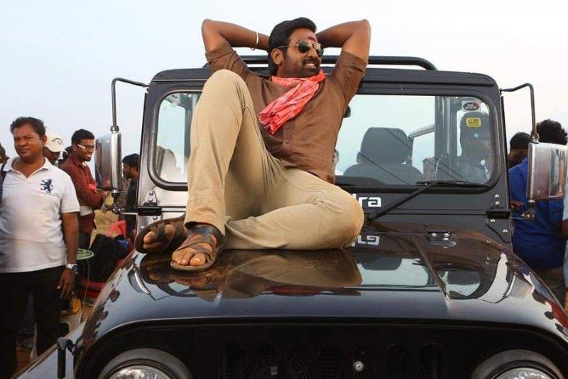 Movie Still Sanga Tamizhan Vijay Sethupathi 815
