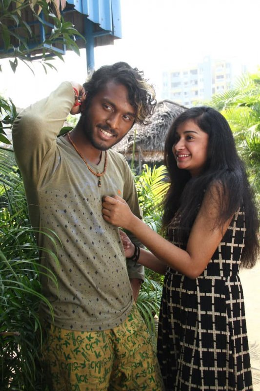 2019 Pictures Thatrom Thookrom Tamil Film 285