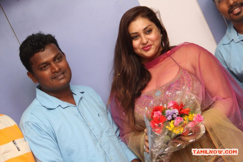 Actress Namitha Inaugurates Ksk Technologies 1716