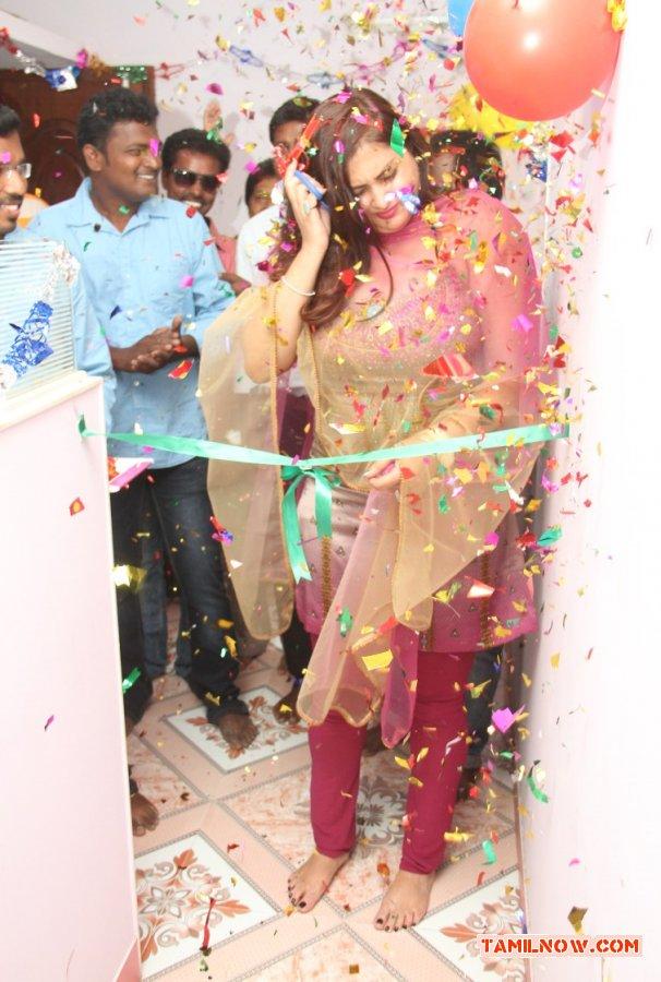 Actress Namitha Inaugurates Ksk Technologies 4003