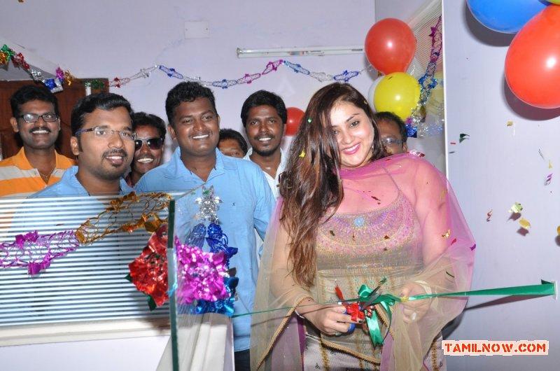 Actress Namitha Inaugurates Ksk Technologies 8328