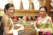 Akshara Haasan Launch Diamonds Showroom