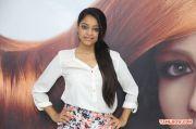 Janani Iyer Essensuals Salon Launch 2389