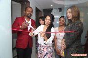 Janani Iyer Essensuals Salon Launch 434