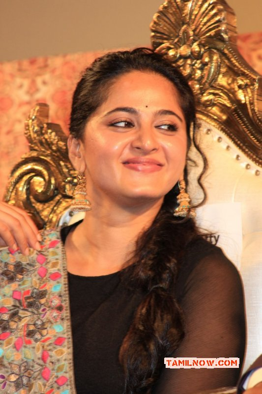 Event Photo Actress Anushka Shetty At Lingaa Audio Launch 994