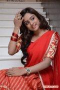 Actress Vithika 215