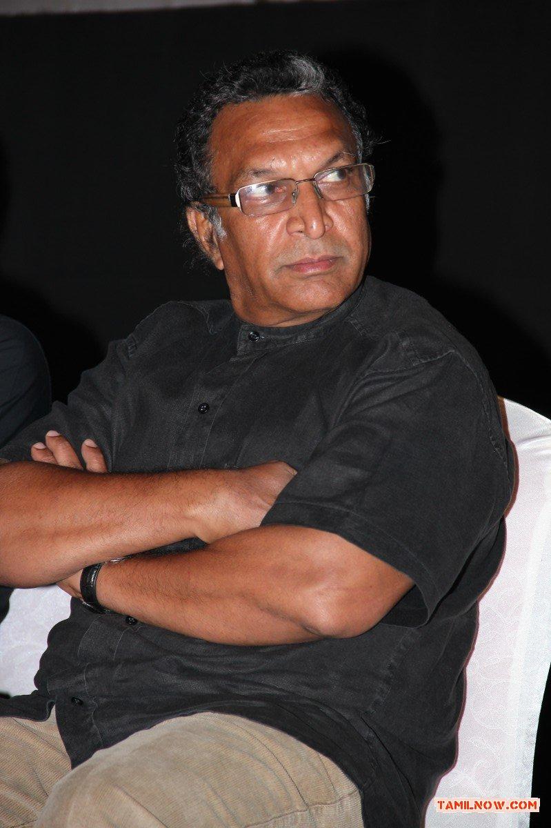 Nassar At Naan Sigappu Manitha Audio Launch 86