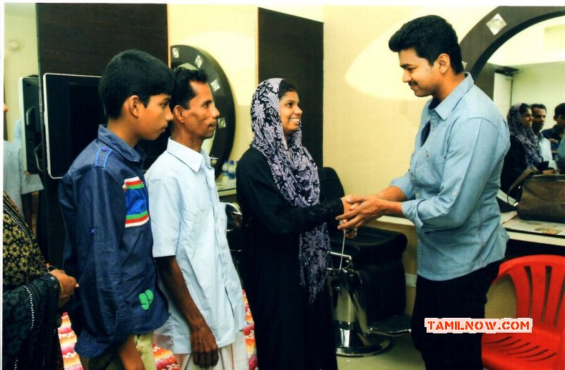 Vijay Help To Poor Student Event Nov 2014 Picture 1316
