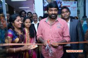 Recent Stills Vijay Sethupathi Inaugurates Chocoholic Chocolate Bar 4000
