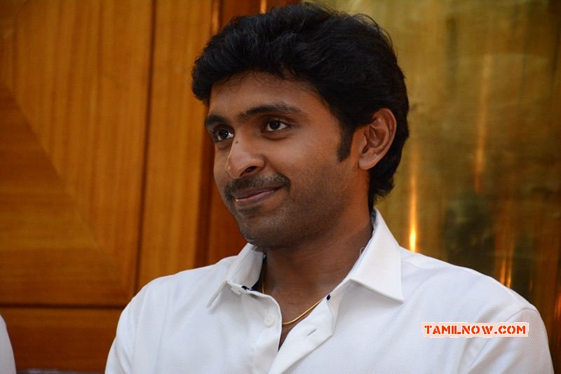 Latest Pic Actor Vikram Prabhu 491