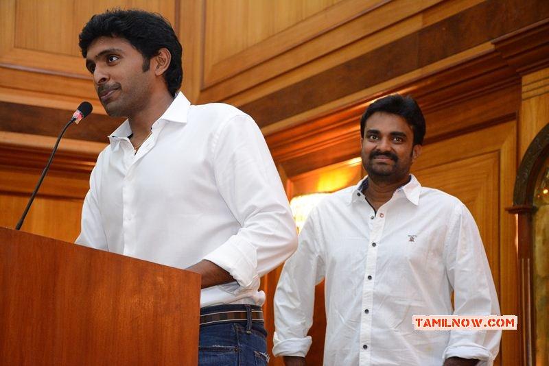New Still Vikram Prabhu And Director Vijay 957