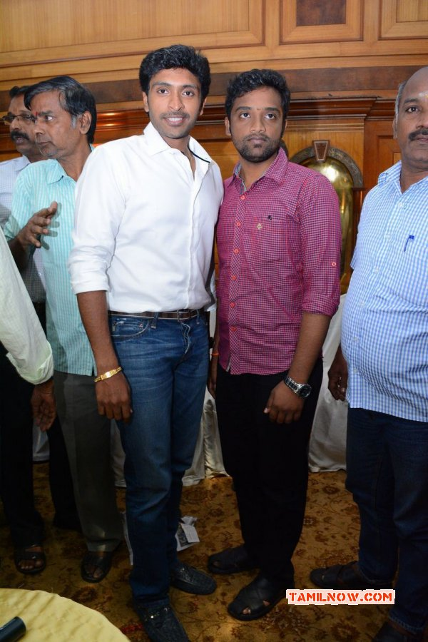 Oct 2014 Photo Vikram Prabhu Press Meet 9662